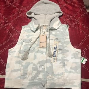 Brand New hooded vest with army print NWT